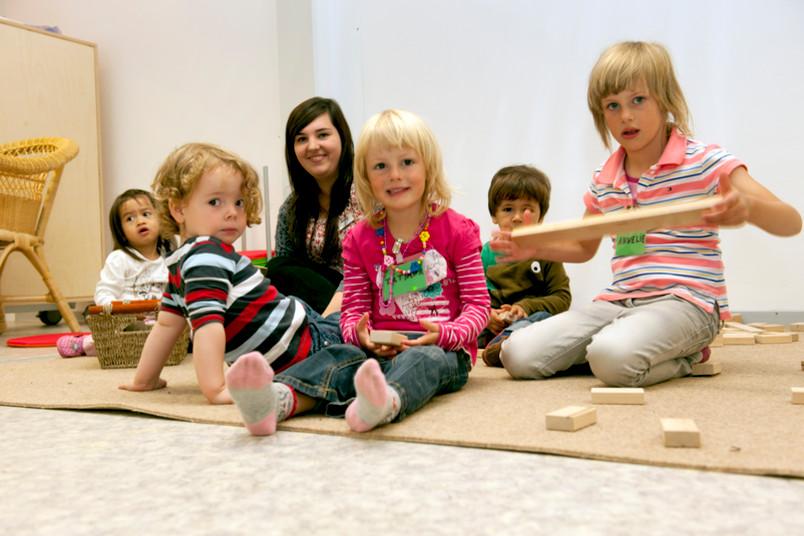 Die Uni-Kids in ihrem Ausweichquartier
