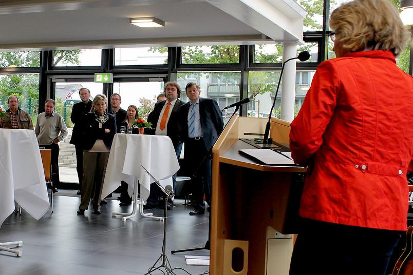 NRW-Wissenschaftsministerin Svenja Schulze eröffnet die Max-Kade-Hall in Bochum.