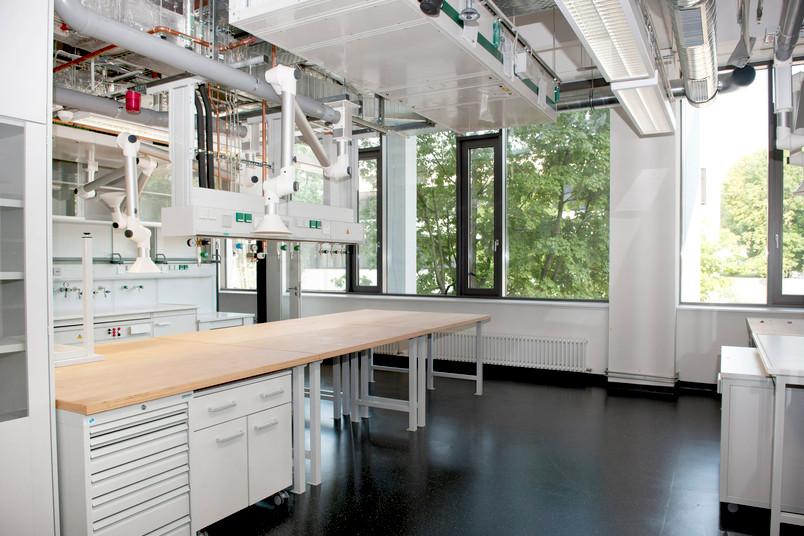 Hell und modern: neues Labor im Gebäude IC