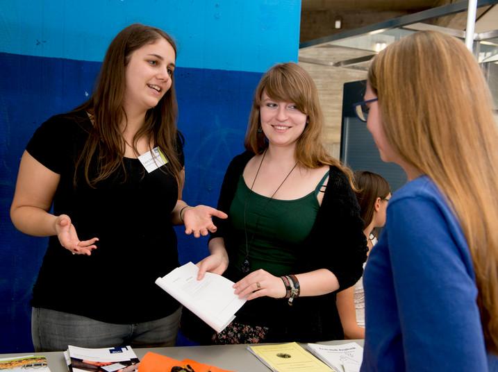 Alle Bochumer Hochschulen präsentieren ihr Studienangebot auf dem Campus der RUB.