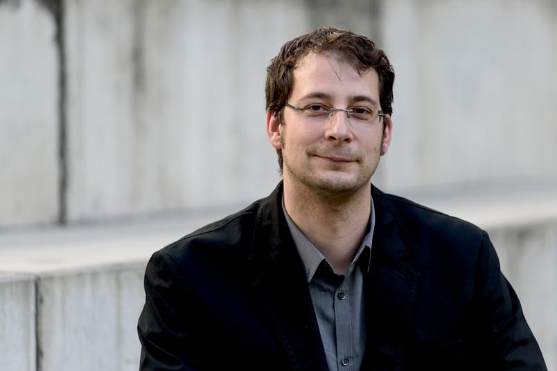 Tim Güneysu ist Experte für kryptografische Verfahren für elektronische Kleinstgeräte.