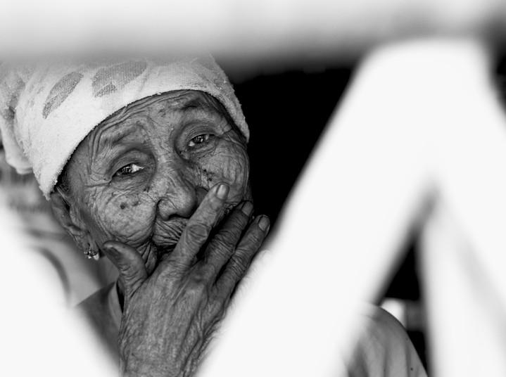 Alte Frau im Flüchtlingscamp Mae La