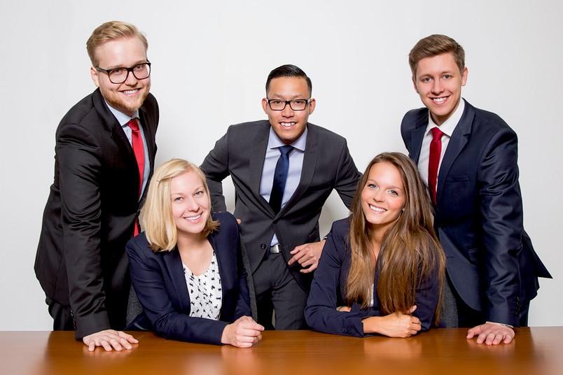 Nehmen für die RUB am internationalen Moot Court teil: Benedikt Behlert, Theresa Bosl, Van Hoang, Luisa Wilbert, Maximilian Bertamini (von links)