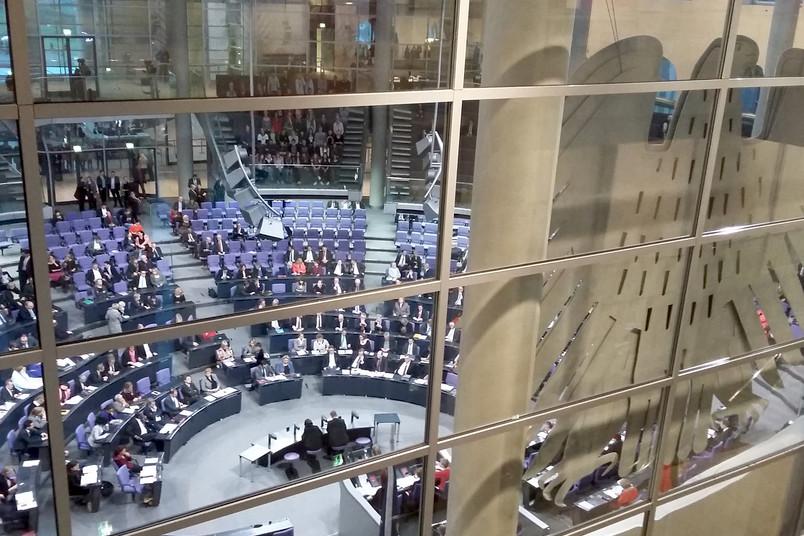 Der Blick von der Präsidialebene in den Plenarsaal