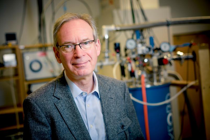 Prof. Dr. Ulrich Kunze vom Bochumer Lehrstuhl Werkstoffe und Nanoelektronik wagt eine Zukunftsprognose für seine Forschungsdisziplin.