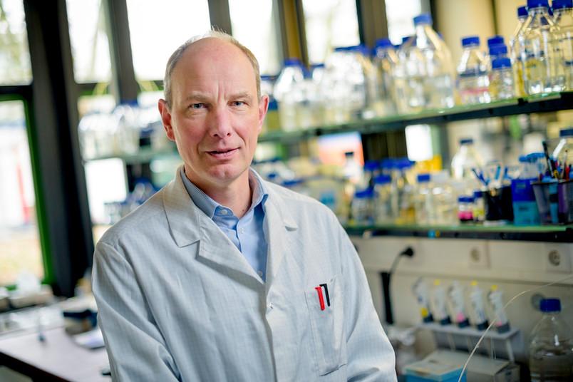 Prof. Dr. Franz Narberhaus vom Bochumer Lehrstuhl Biologie der Mikroogranismen wagt eine Zukunftsprognose für seine Forschungsdisziplin.