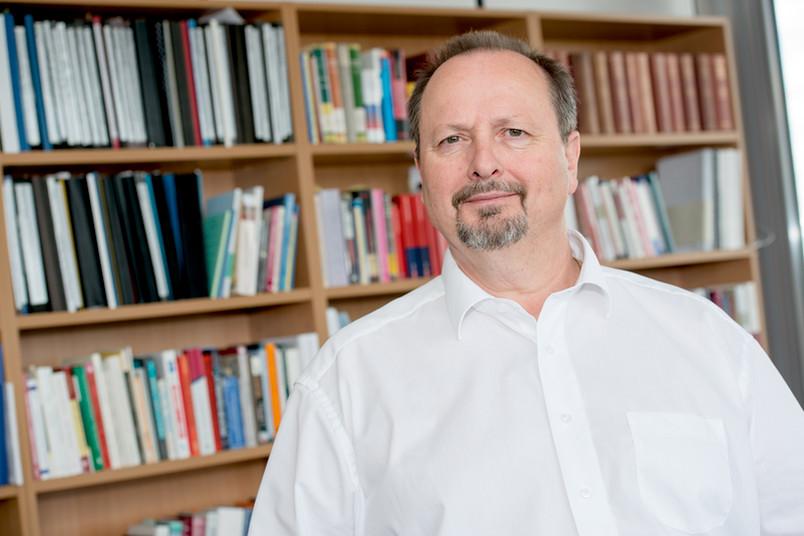 Prof. Dr. Michael Wala, Lehrstuhl Geschichte Nordamerikas