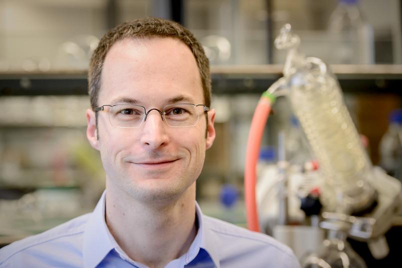 Stefan Huber hat den Hoechst-Dozentenpreis erhalten.