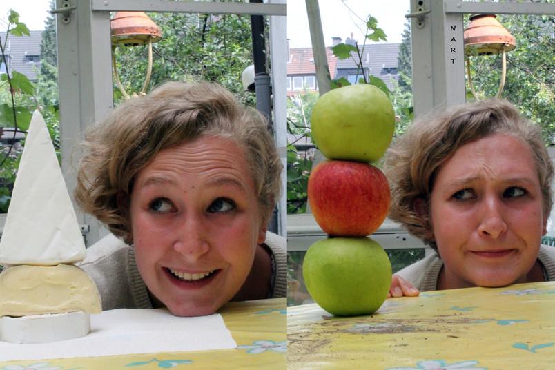 Der Kopf von Adèle Rives ist so hoch wie drei Stück Käse und ungefähr so hoch wie drei Äpfel.