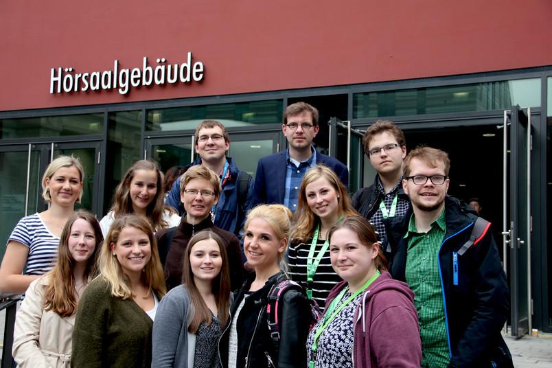 13 Mitglieder der RUB in Leipzig: elf Studierende, eine Dozentin und ein Dozent