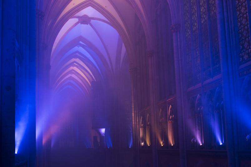 Lichtinstallation im Kölner Dom