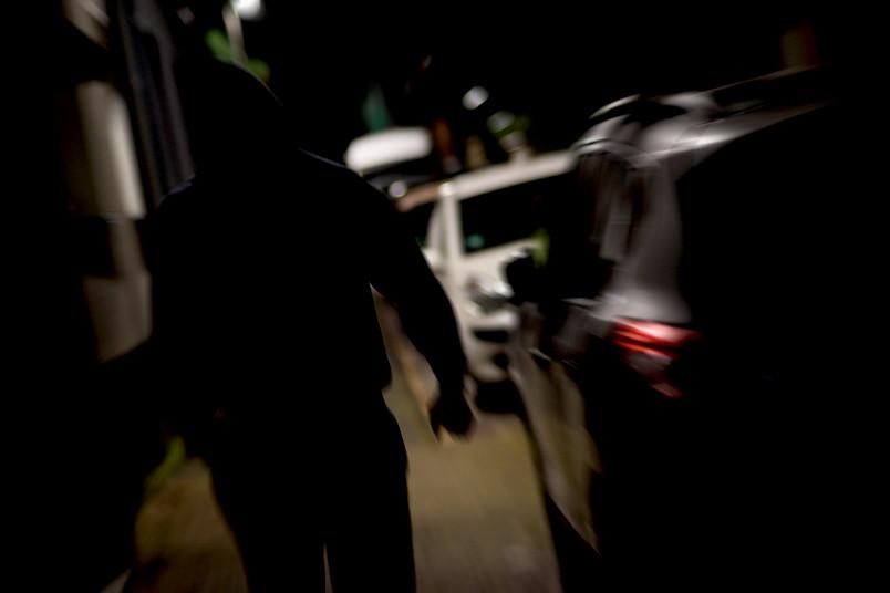 Auf dunklen Straßen fühlen viele Menschen sich weniger sicher als in der eigenen Wohnung. Dabei gibt es dafür keinen rationalen Grund.