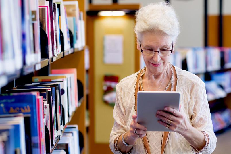 Ältere Menschen schneiden in bestimmten Kategorisierungsaufgaben zwar schlechter ab als Jüngere. Sie machen dieses Defizit aber wieder wett.