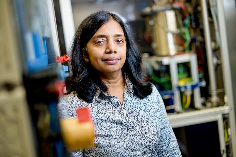 Porträt einer jungen Forscherin