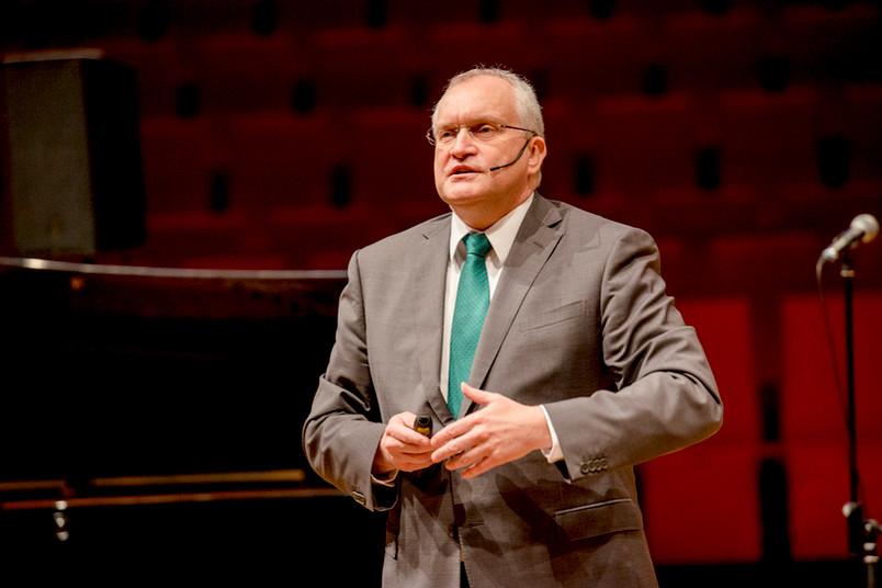 Ruhr-Uni Bochum, Christoph M. Schmidt, Wirtschaftsweiser, Corona