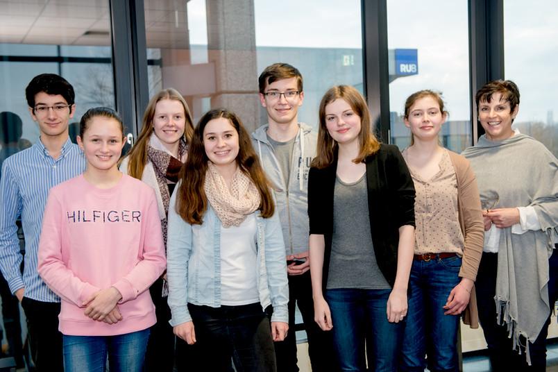 Tiziana Gillmann (rechts) koordiniert die Arbeit des Junge-Uni-Beirats.