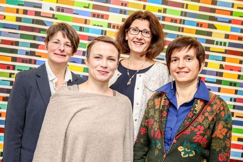 Gruppenbild mit den vier Veranstalterinnen der Ringvorlesung Mehrsprachigkeit