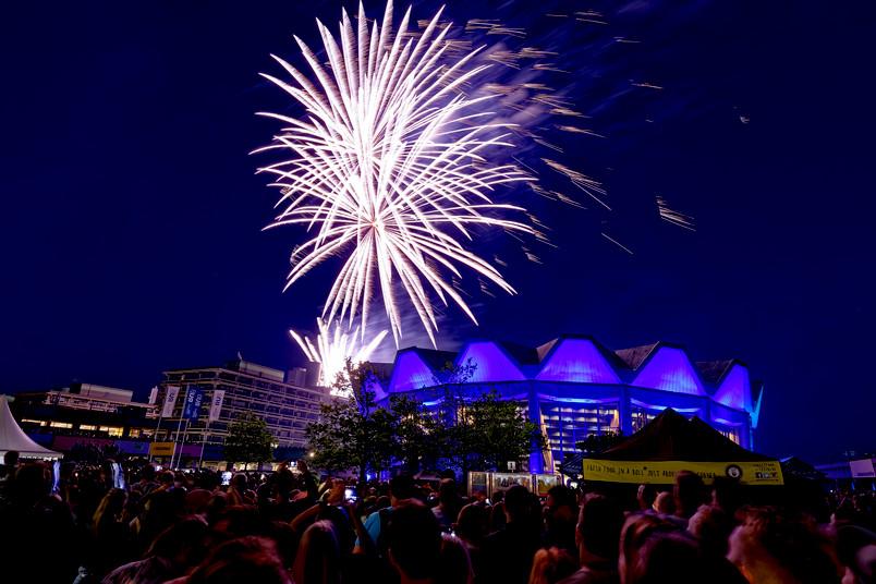 Feuerwerk über dem Audimax