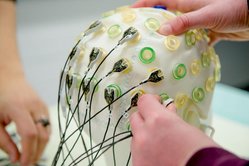 EEG-Kappe mit Elektroden