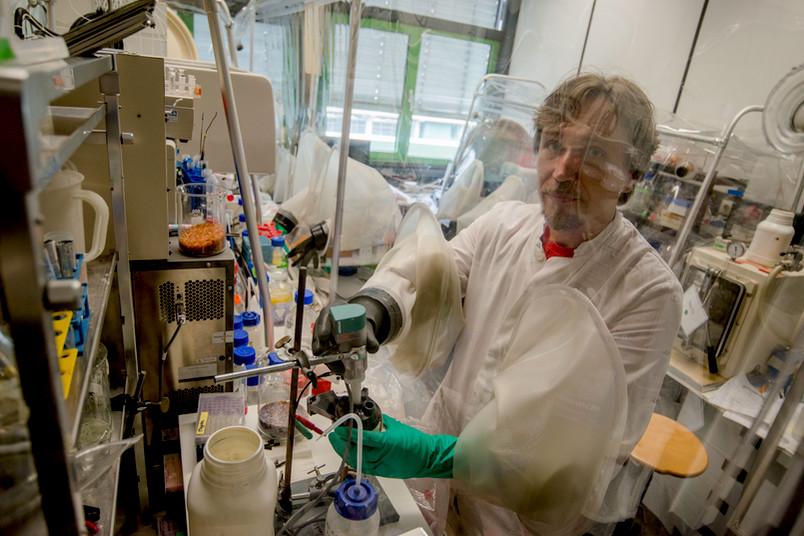 Martin Winkler im Labor