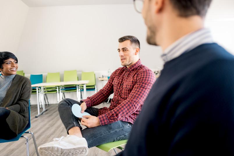<div> Beim Speed-Dating kommen Bewerber und Stipendiaten ins Gespräch.</div>