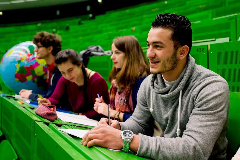 <div> Geflüchtete Studierende an der RUB werden weiterhin gefördert.</div>