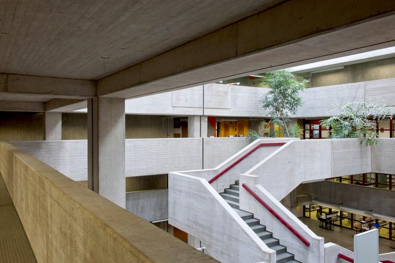 Treppenhaus der Universitätsbibliothek