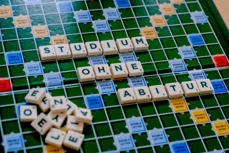<div> Für Bewerber ohne Abitur gibt es besondere Regelungen für die Studienplatzbewerbung.</div>