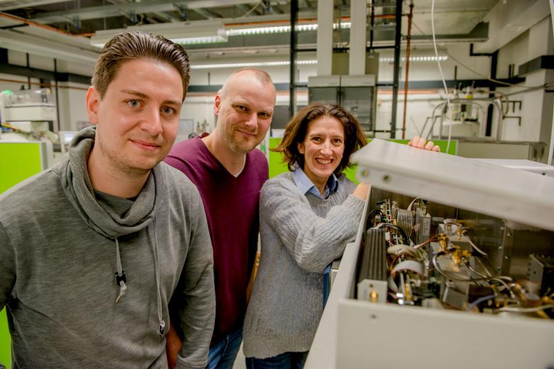Drei Forscher im Labor