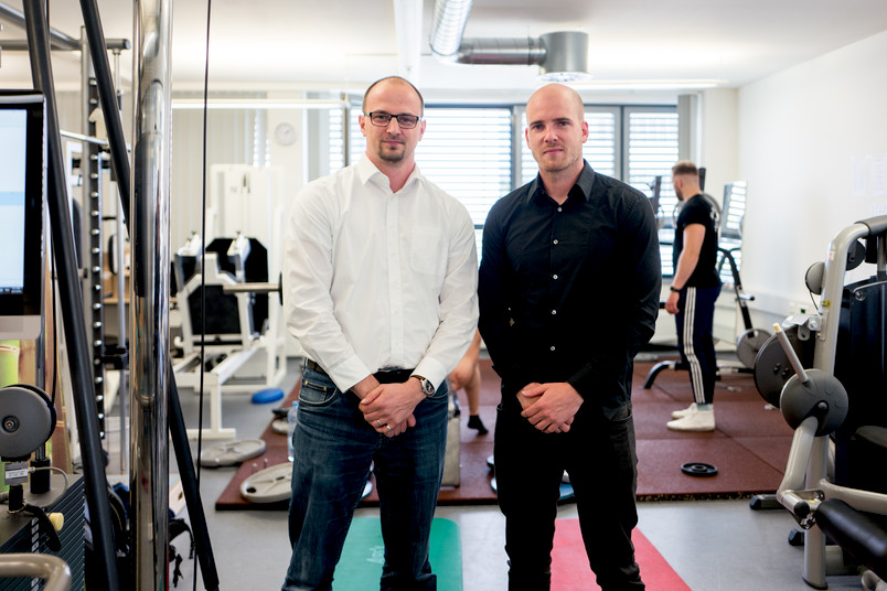 <div> Henning Jarck (links) und Marius Kirmse koordinieren das neue Masterangebot an der Fakultät für Sportwissenschaft</div>