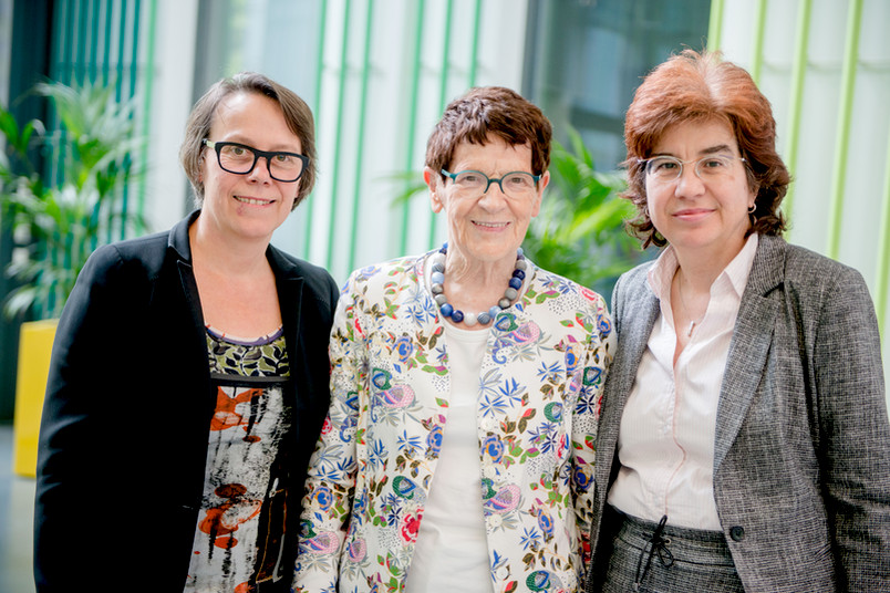 Gruppenbild mit Christina Reinhardt, Rita Süßmuth und Martina Havenith