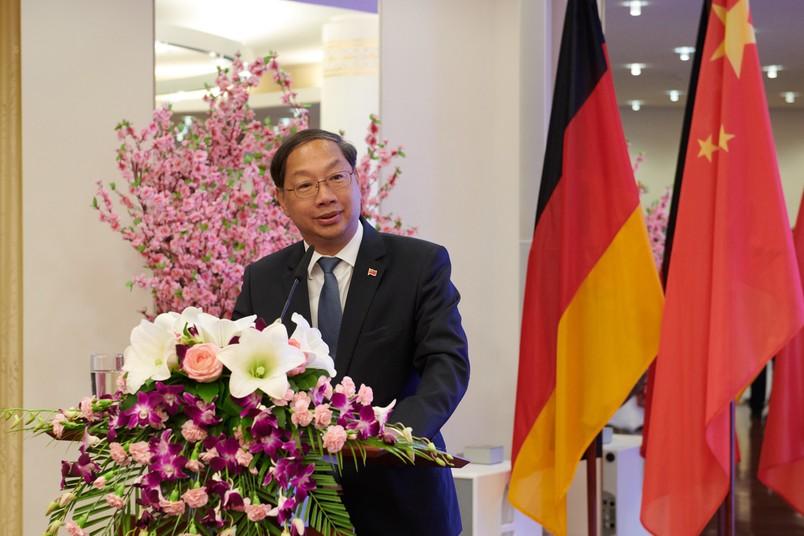 Chinas Botschafter in Deutschland, Shi Mingde