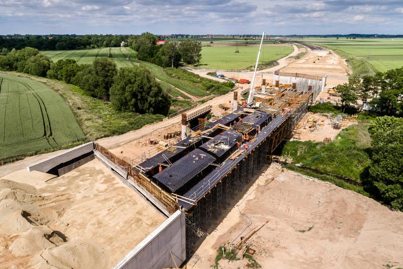 Großbaustelle für eine neue Autobahn-Brücke