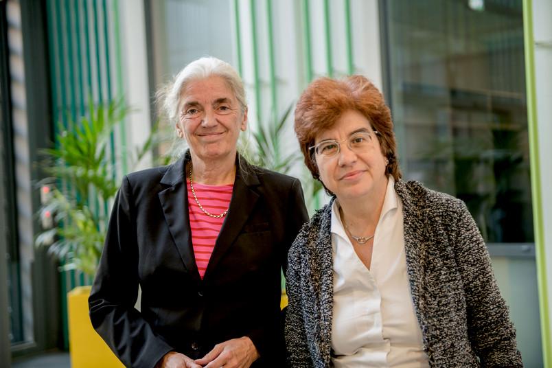 NRW-Wissenschaftsministerin Isabel Pfeiffer-Poensgen (links) hat das Women Professors Forum besucht – initiiert wurde das Netzwerk von Martina Havenith.
