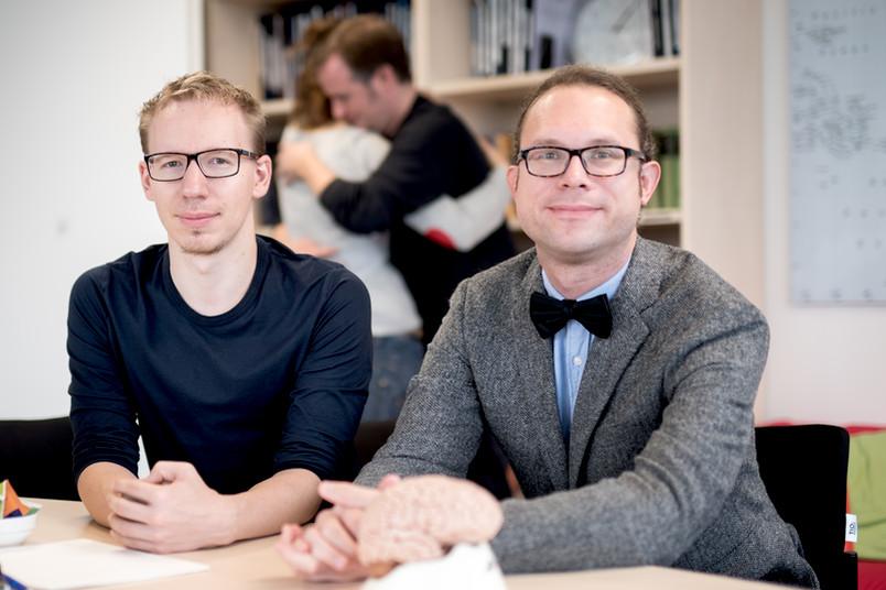 Sebastian Ocklenburg und Julian Packheiser