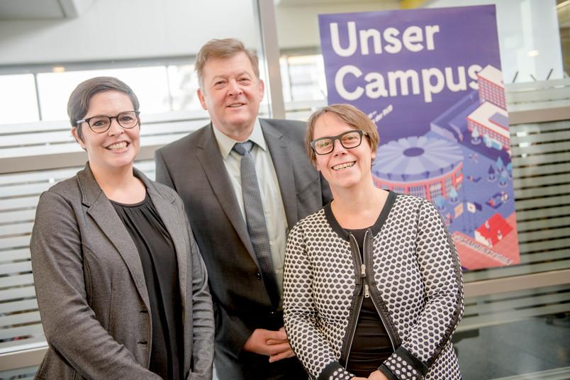 Stehen hinter der gemeinsamen Kampagne: Prof. Dr. Katja Sabisch aus den Gender Studies, Akafö-Geschäftsführer Jörg Lüken und RUB-Kanzlerin Christina Reinhardt (von links)