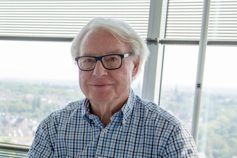 Porträt eines etwa 80-jährigen Mannes