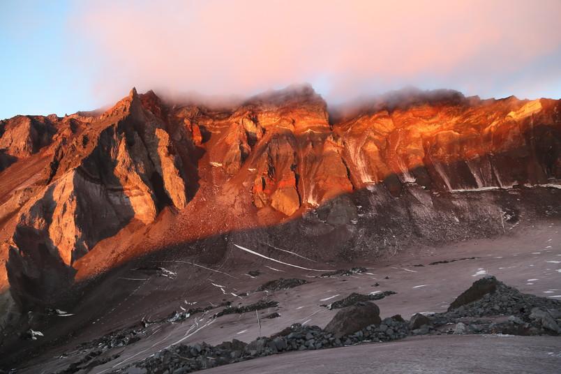 Berg im Sonnenaufgang
