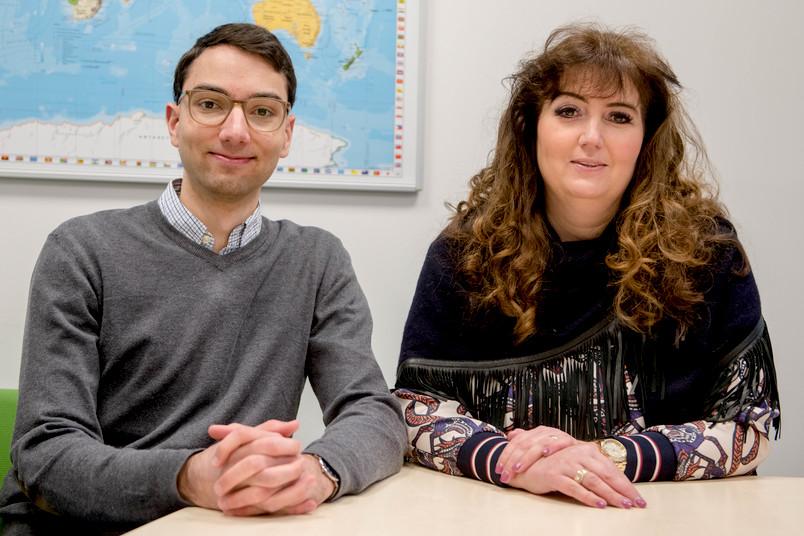 <div> Jan-Phillip Graf und seine Mutter Claudia sind begeistert vom Angebot der Schüleruni an der RUB.</div>