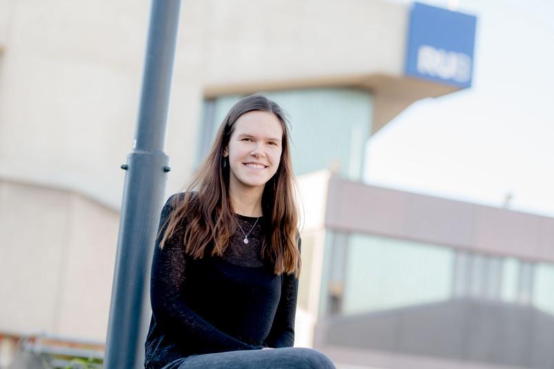 <div> Ronja Mermer unterstützt Schüler dabei, im Englischen noch fitter zu werden.</div>