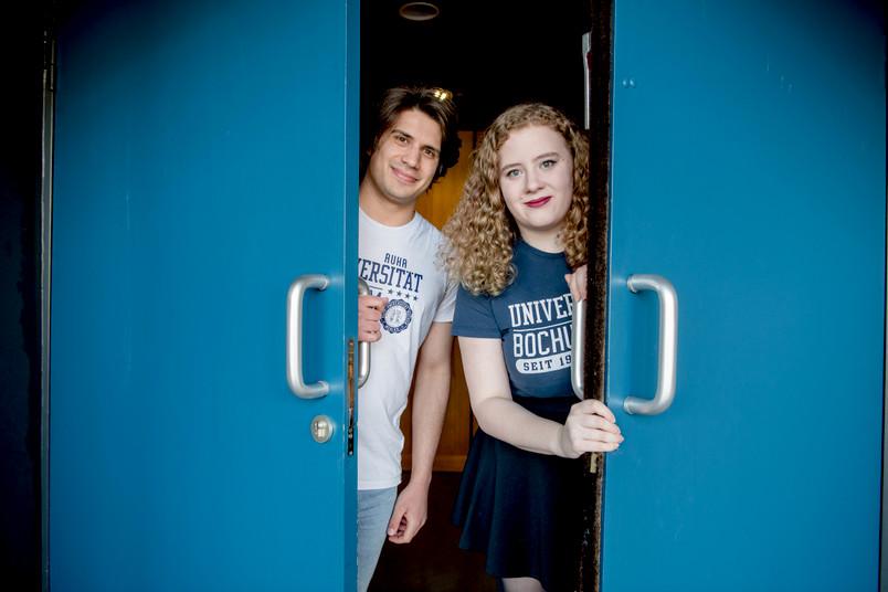 <div> Ravi Frewer und Eva Wanowius vom studentischen Radiosender CT öffneten im Audimax symbolisch die Türen für die Besucher.</div>
