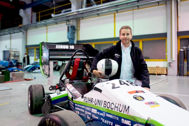 <div> Marc Hamme ist einer der Preisträger aus dem Jahr 2012 und heute Teammitglied bei RUB Motorsport.</div>