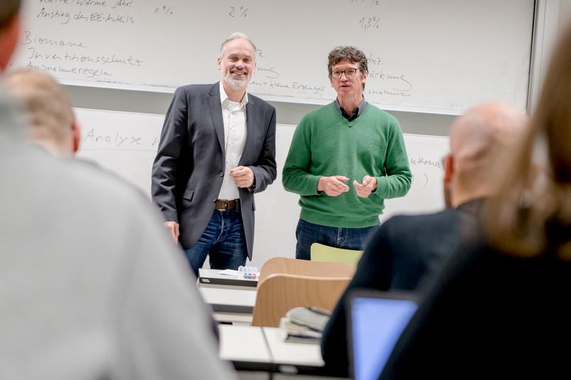 """<div> Marcus Reinecke (links) und Prof. Dr. Rainer Eising sind die Ansprechpartner für den Studiengang """"European Culture and Economy"""".</div>"""