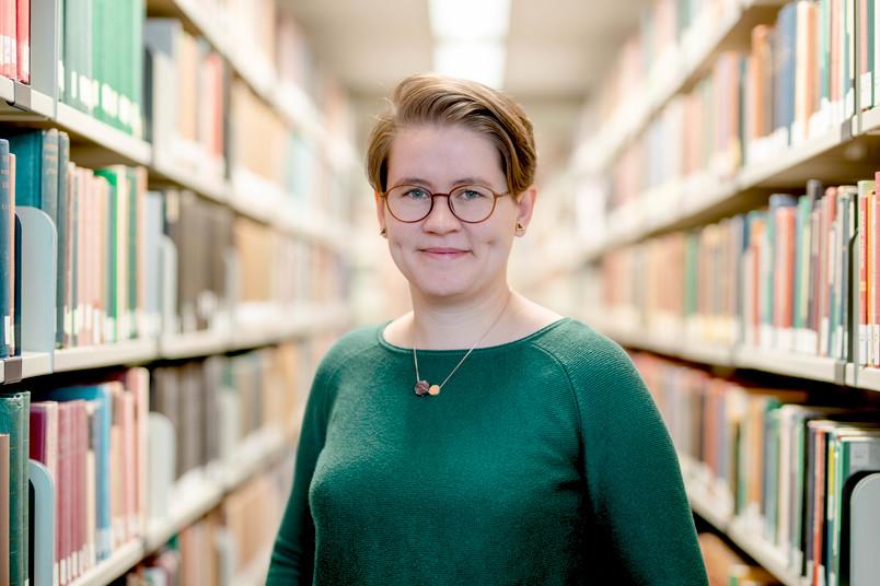 Porträtfoto: Die Historikerin Marlene Friedrich hat drei Jahre lang im Archiv der RUB mitgearbeitet.