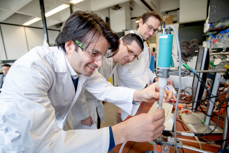 Iodide salts stabilise biocatalysts for fuel cells