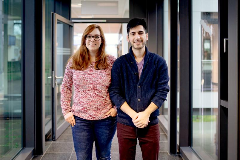 <div> Carolin Stockhausen und Ruzbeh Nagafi wollen ihre Begeisterung für Informatik gerne weitergeben.</div>