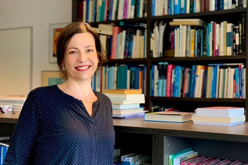 <div> Marcella Woud arbeitet in der Klinischen Psychologie und Psychotherapie.</div>