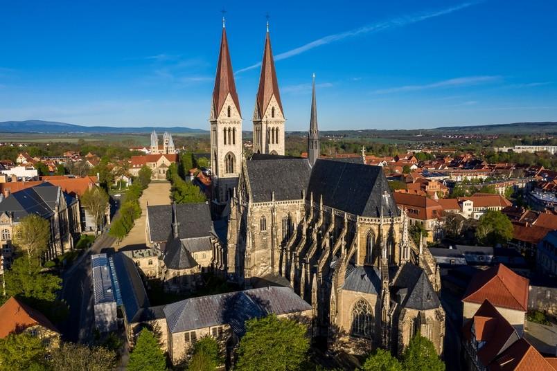 Der Halberstädter Dom von Südosten betrachtet