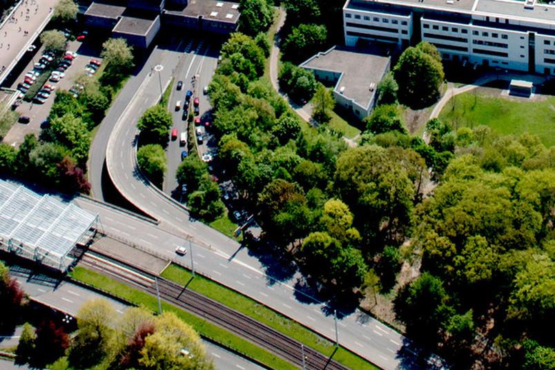 <div> Einfahrt zum zentralen Verkehrsbauwerk der RUB</div>