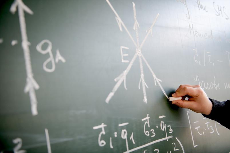 Formeln an einer Tafel